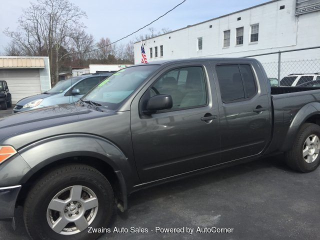 2008 Nissan Frontier LE Crew Cab Long Bed 4WD 5-Speed Automati